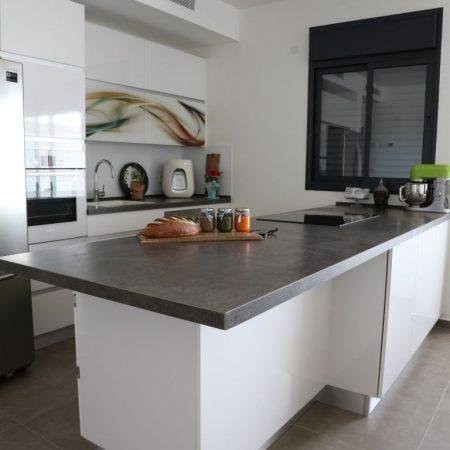 שולחן שיש גרניט פורצלן למטבח
